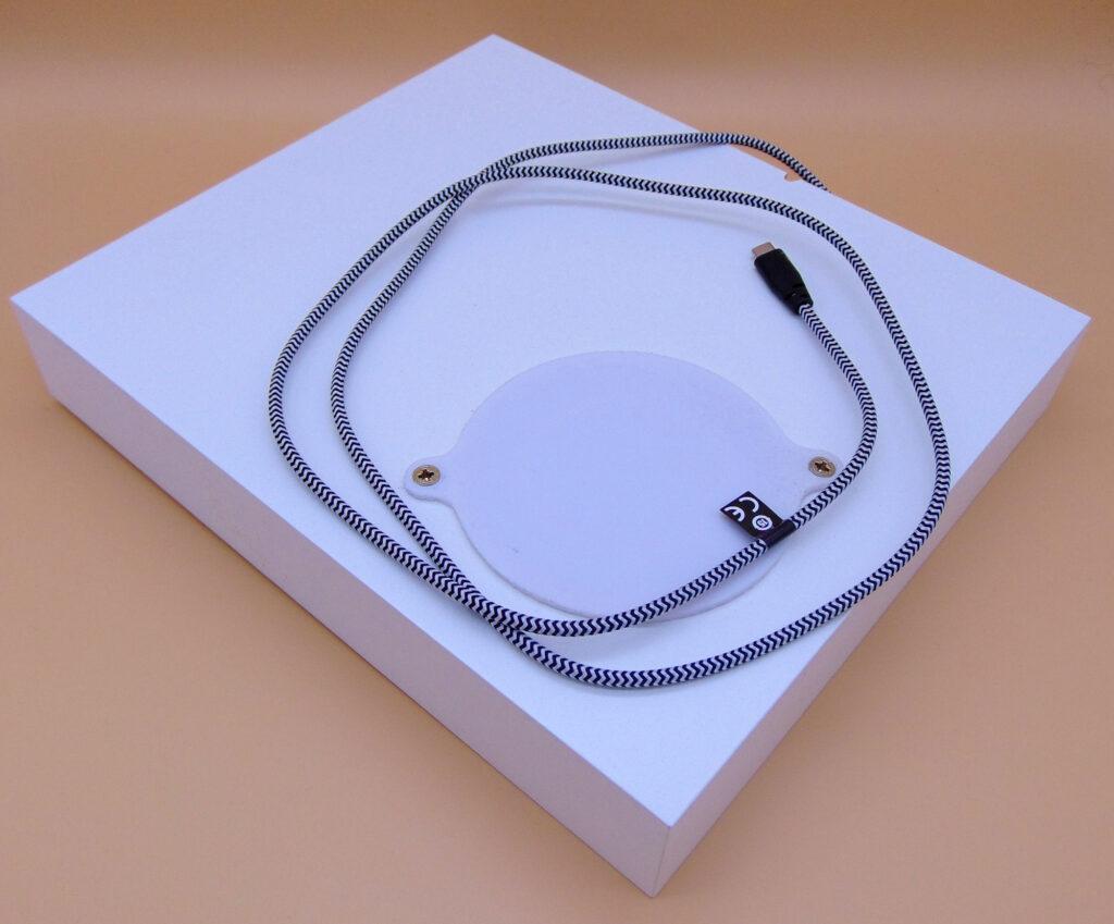 QI-Charger-Regal mit 3D-Druck zusammengebaut