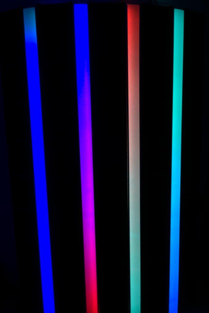 LED-Regal: Beleuchtet