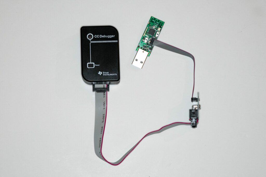 CC2531, CC-Debugger und Downloader-Kabel